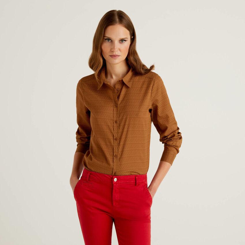 Chemise à motifs marron en 100% coton