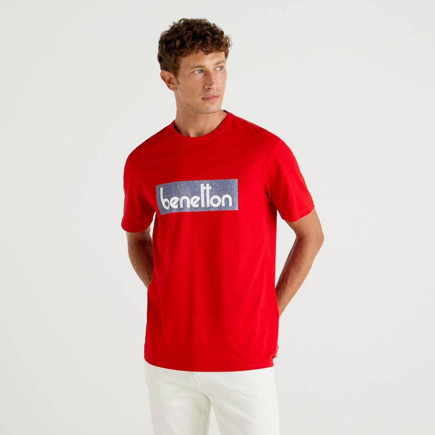 T-shirt rouge avec imprimé logo