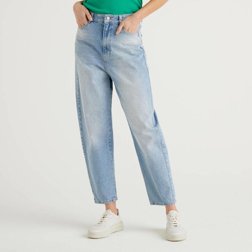 Jeans coupe carrot en denim 100% coton