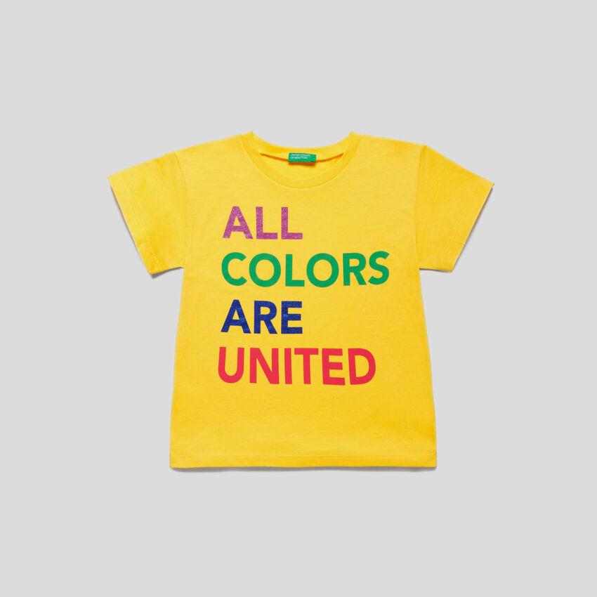 T-shirt impression logo multicolore