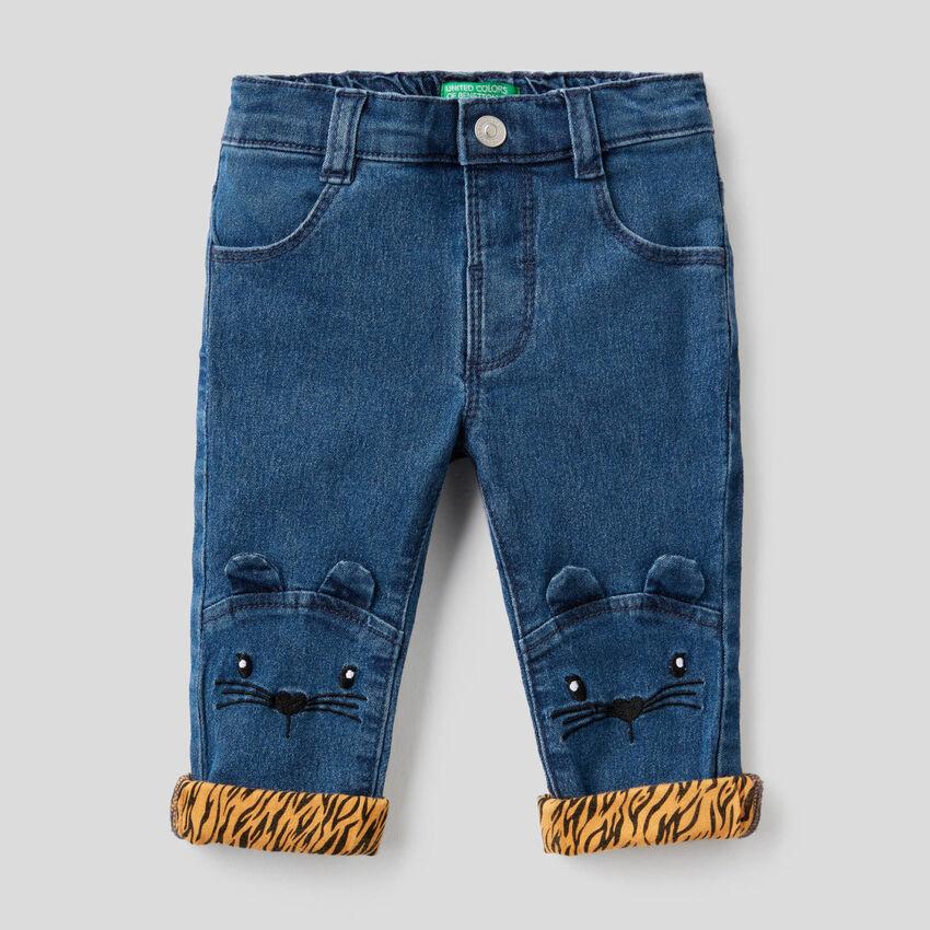 Jeans avec broderie animal