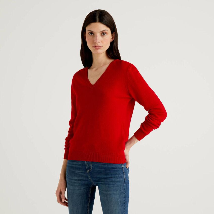 Pull avec col en V rouge en pur laine vierge