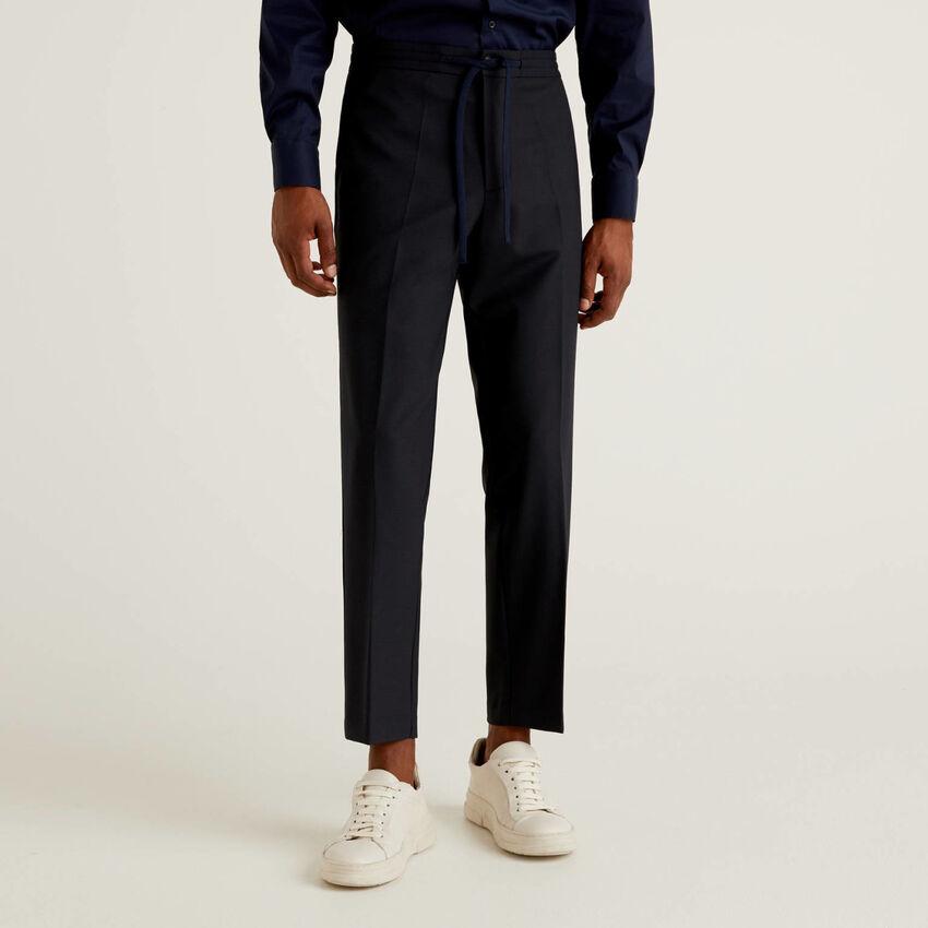 Pantalon en laine froide froide avec cordon de serrage