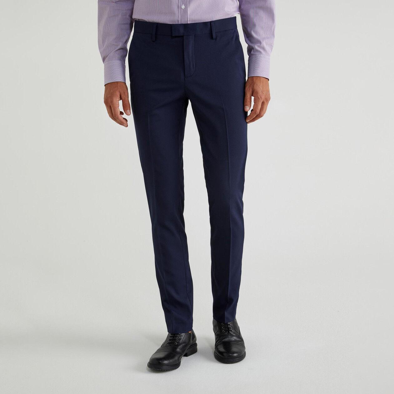 Pantalon coupe slim avec pli
