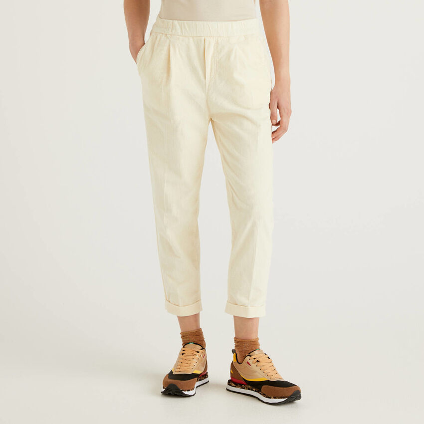 Chino en velours avec taille stretch
