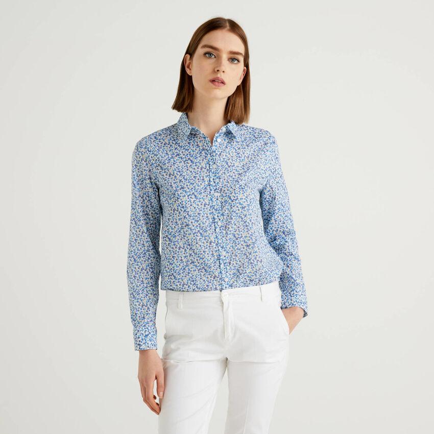 Chemise avec imprimé à fleurs bleues 100% coton